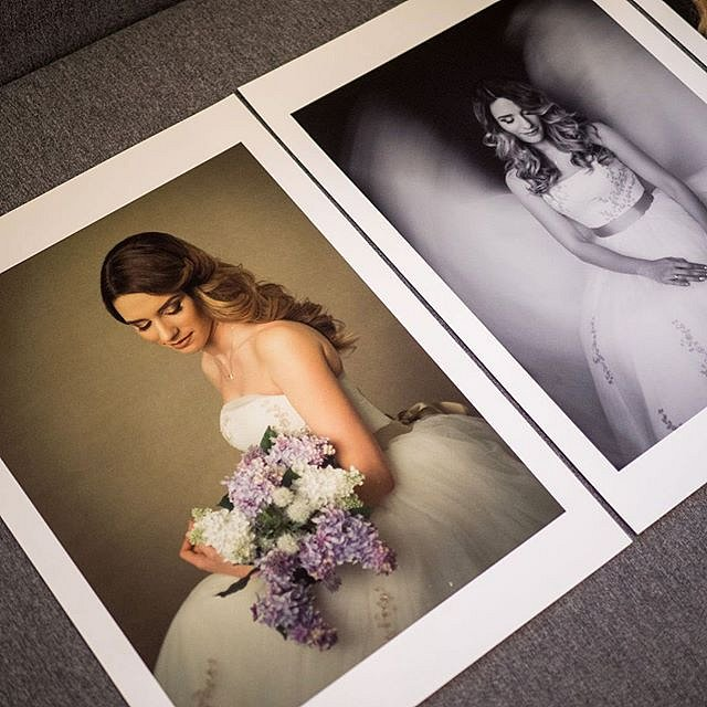 Making prints. #love#photooftheday#Photographer#WeddingPhotography#DestinationWedding#WeddingDay#Portrait#Family#PhotographyBusiness#Imagenia#ImageniaBrides#WeddingDress#MyWeddingDress#WeddingFlowers#IDo@imagenia.ro